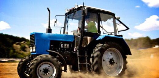 Pērn Latvijā par 13% samazinājies izsniegto traktortehnikas vadītāju apliecības skaits