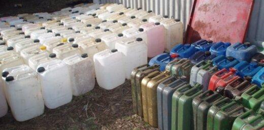 Полиция нашла тайное хранилище спирта: изъято 1 200 литров