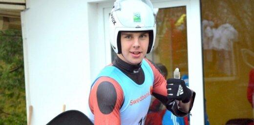 Aparjods izcīna sudraba medaļu pasaules junioru čempionātā