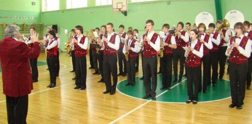 Rīgas dome: KM spiež samazināt algas mūzikas un mākslas skolu pedagogiem
