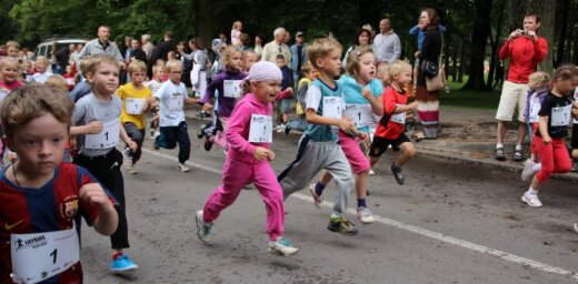 Fotoreportāža: Veiksmīgi aizvadīts Liepājas pusmaratons 2012