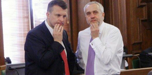 'Trampa analītiķi' izmēģinājuši spēkus arī Latvijā, konsultējot Šleseru un Šķēli