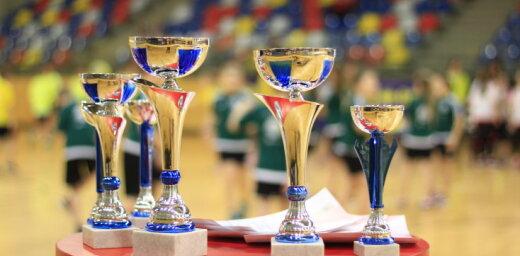 Uz tautas bumbas turnīru pulcējas 'Sporto visa klase' dalībnieki