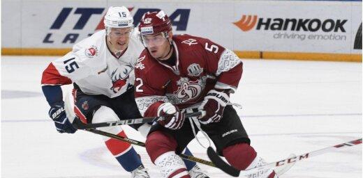 Rīgas 'Dinamo' pēc pusotra mēneša sadarbības pārtrauc līgumu ar Žerdevu