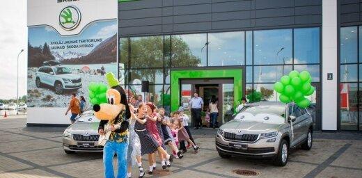 Foto: 'Škoda' salonā 'Green Motors' nosvinēts 1. septembris