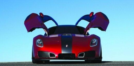 'Laguna Seca' trasē 'Devon GTX' pārspēj 'Nissan GT-R'