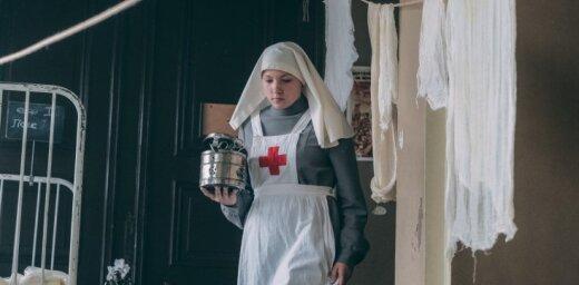Foto: Strēlnieki slimnīcā – Rīgā turpina filmēt kara drāmu 'Dvēseļu putenis'