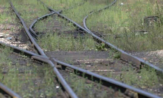 Трагедия на железной дороге: мужчина погиб при падении с велосипеда