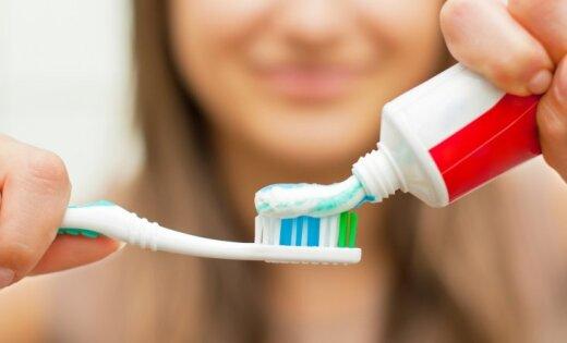 Нередкое использование зубной пасты либо жвачки может привести краку