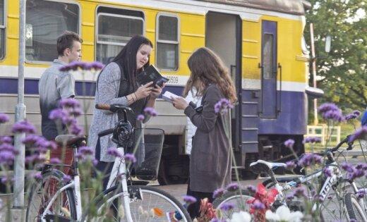 Aicina piedalīties 'Dzejas dienu' akcijā 'Sirds uz perona'