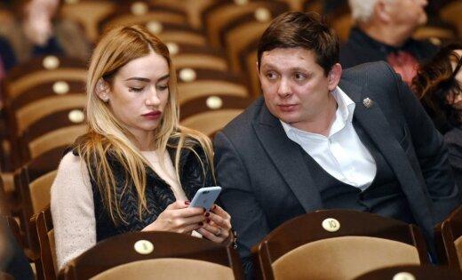 Невеста депутата Артуса Кайминьша сообщила о разрыве отношений