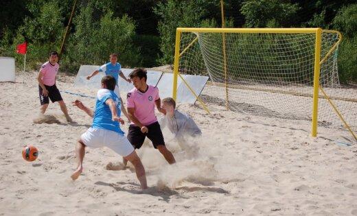 Latvijas pludmales futbola izlasei smaga neveiksme arī otrajā PK kvalifikācijas mačā