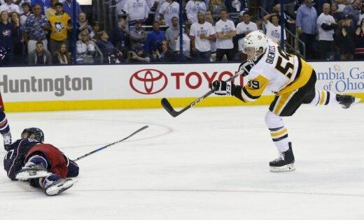 'Penguins' un 'Blues' nonāk uzvaras attālumā no Stenlija kausa izcīņas otrās kārtas