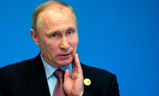 Российские СМИ: почему Путин медлит с выдвижением в президенты