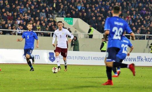 Foto: Latvijas futbolisti trīsreiz nenosargā pārsvaru