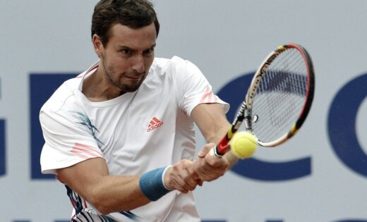 Gulbim uzvara Vinstonas-Seilemas 'ATP World Tour 250' turnīra kvalifikācijas pirmajā mačā
