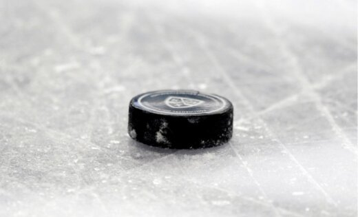 Latvijas hokeja tiesnesis Odiņš iekļauts pasaules čempionāta elites grupas galveno tiesnešu sarakstā