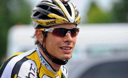 Riteņbraucējs Saramotins karjeru turpinās Šveices komandā 'IAM Cycling'