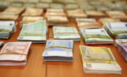 Польша: у латвийцев изъяли 100 000 фальшивых евро