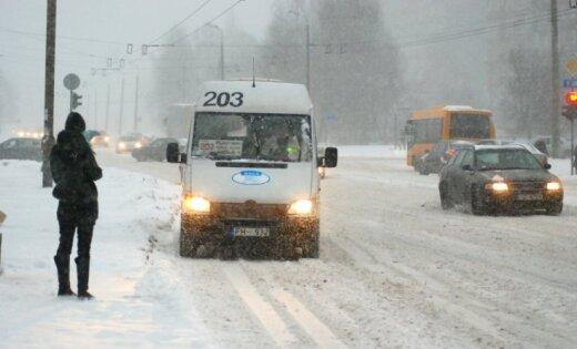 Laikraksts: Rīgas maršruta taksometri grib celt biļešu cenas