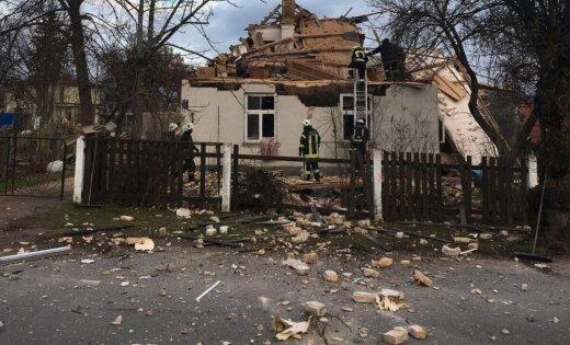 В Валмиере взорвался жилой дом: один человек доставлен в больницу
