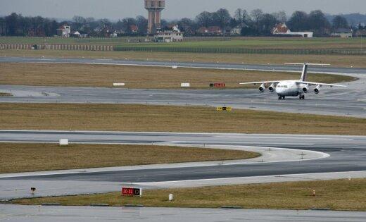 Boeing чуть неразбился при посадке вАвстрии из-за сильного ветра