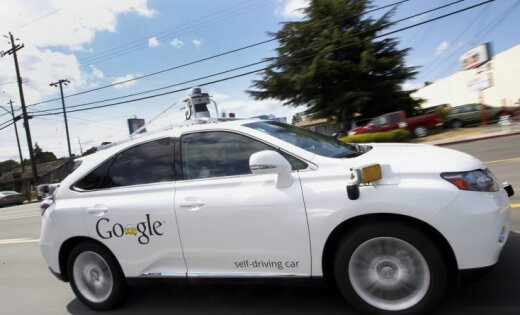 Pārtrauc 'Google' bezpilota auto programmu; izveido jaunu kompāniju