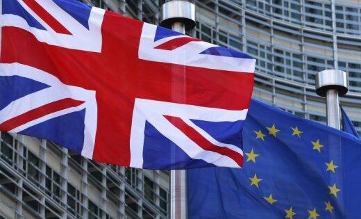 Каждая семья в Великобритании будет терять 5400 евро в год из-за выхода из ЕС