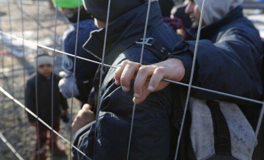 Latvijā stiprinās nacionāli radikāls pret bēgļiem vērsts grupējums, ziņo raidījums