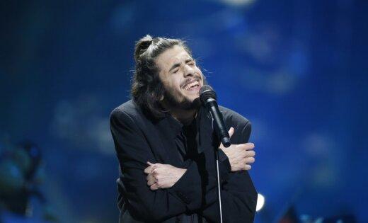 На «Евровидении-2017» победил конкурсант изПортугалии Сальвадор Собрал