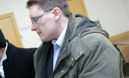 'Kino šāvējam' Zikovam piespriež 17 gadus cietumā
