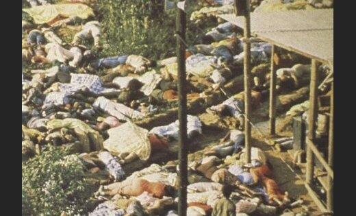 18. novembris: Masu pašnāvība Gajanā