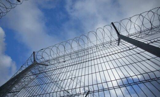 Krimā tatāru aktīvistam piespriesti divi gadi nometinājuma kolonijā