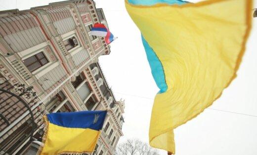 У посольства России в Риге прошел пикет в поддержку Украины; есть задержанные