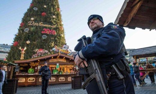 ВГермании спецназ обыскал лагерь беженцев ваэропорту