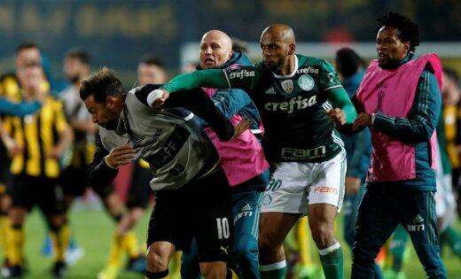 Прежний футболист «Интера» Мело спровоцировал массовую драку после матча Кубка Либертадорес