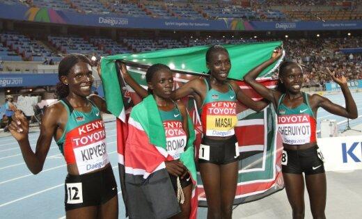 Kenijas skrējējas iegūst visas medaļas PČ pirmajā dienā