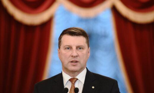 Президента Латвии перевели в отделение кардиологии клиники им. Страдиня