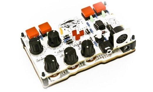 'Standuino' darbnīcā aicina izgatavot elektroniskos mūzikas instrumentus