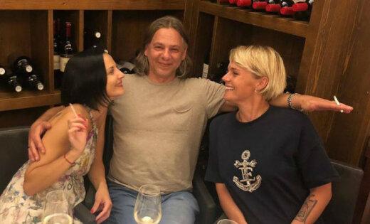 Maligina ar bijušo vīru Džilindžeru un viņa sievu atpūšas Vīnē