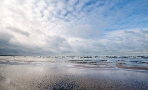 На юрмальских пляжах в Дзинтари и Вайвари вновь можно купаться