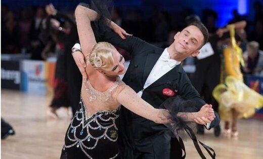 Latvijas sporta deju pāris iekļūst pusfinālā Eiropas čempionātā