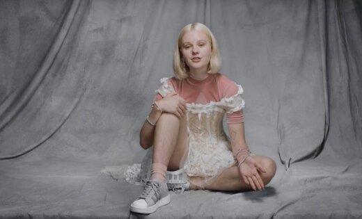 ФОТО: Модели пригрозили изнасилованием из-за волосатых ног