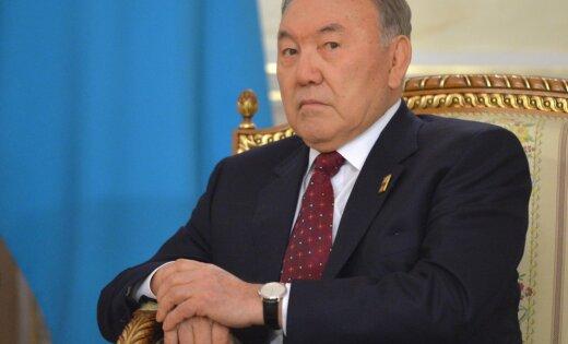 Признаки «цветных революций» появились вКазахстане— Назарбаев