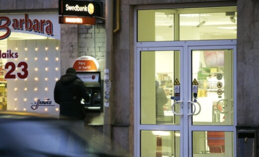 DP: cēlonis baumām par 'Swedbank' varētu būt meklējams ārzemēs