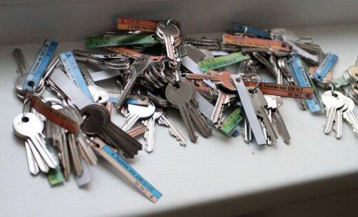 KNAB aizdomas: dzīvokļu pārvaldē par mitekļiem ilgstoši prasīti kukuļi