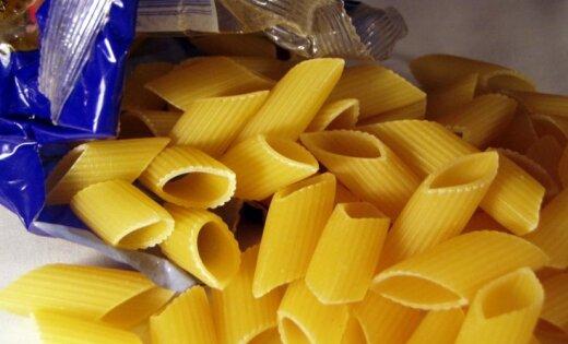 Отца шокировало школьное задание приготовить коробку с продуктами для нищих