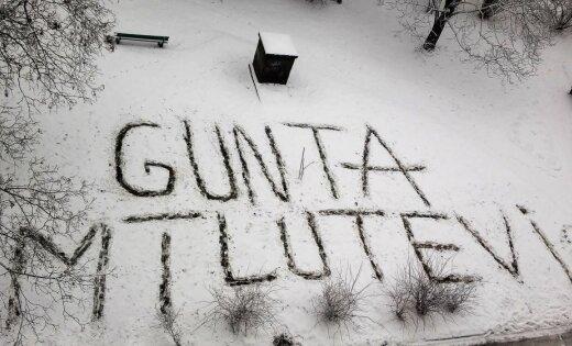 Gaidot Valentīndienu: Rīgā mīlnieks iecerētajai atzīstas sniegā