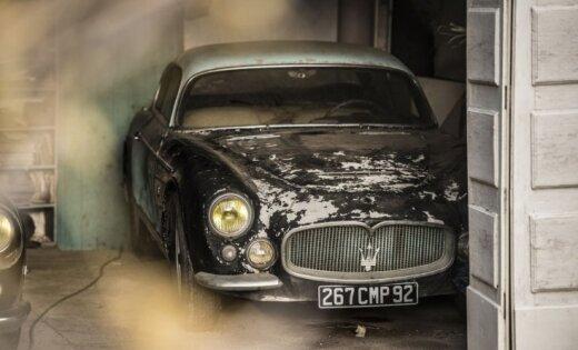 ФОТО: на заброшенной ферме нашли ретро автомобили стоимостью 12 миллионов