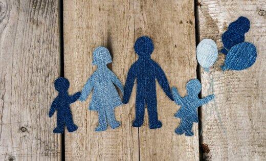 Специализированные приемные семьи будут получать 430-860 евро в месяц